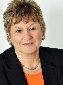 Bärbel Schwertfeger, Spiegel Journalistin über Karriere-Themen im KarriereSPIEGEL und SPIEGEL online. Bärbel Schwertfeger gilt als Autorität im Bereich der höheren Weiterbildung (post-graduate education) und Themen wie dem MBA und dem Executive MBA. In Ihrem Blog hat sie auch schon mehrfach über das Lorange Institute of Business geschrieben.