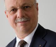 Konrad Hummler, Bank Wegelin, NZZ Verwaltungsratspräsident